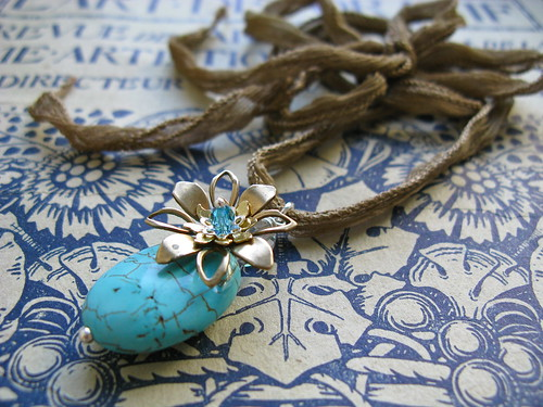 Artist's garden necklace in turquoise