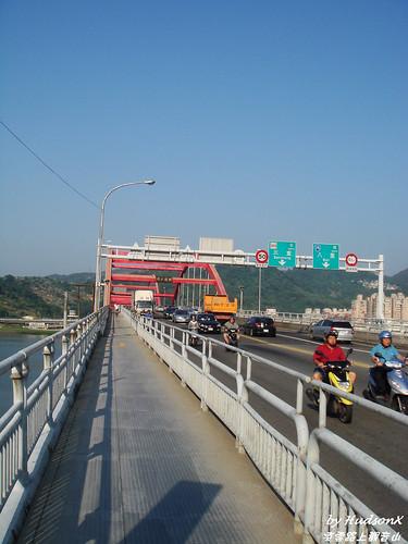 關渡大橋自行車專用道