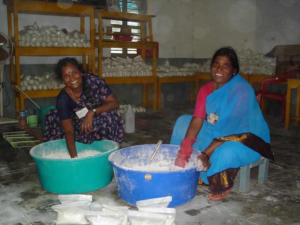 Making detergent