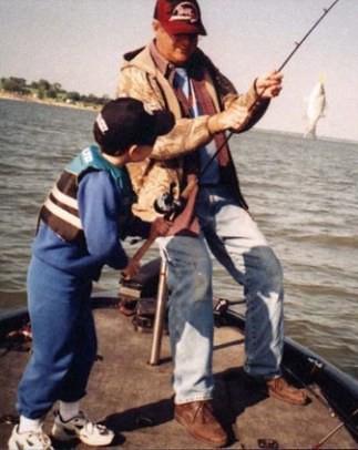 想吃魚,必須學會自己釣…