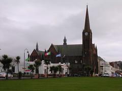Flag Day (W F B) Tags: uk italy church st parish grey scotland nikon flag 15 escocia february 2009 dull schottland ayrshire largs ecosse scozia columba nardini 苏格兰 stcolumbasparishchurch шотландия