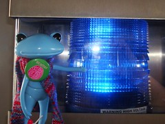 blue light special! (irulethegalaxy) Tags: wonder frog henry viii 8th henrythe8th studiouoo wonderfrog notatudor