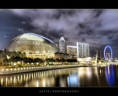 The Esplanade, Singapore :: HDR (Artie | Photography :: I'm a lazy boy :)) Tags: reflection architecture modern photoshop canon buildings singapore waterfront cs2 performingarts wideangle handheld 1020mm hdr artie marinabay superstructure 3xp theatresonthebay sigmalens photomatix tonemapping tonemap singaporeesplanade 400d rebelxti singaporeflyer