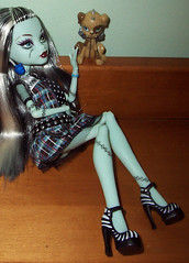 Monster Pet Series Frankie (Veni Vidi Dolli) Tags: dolls mattel frankiestein monsterhigh