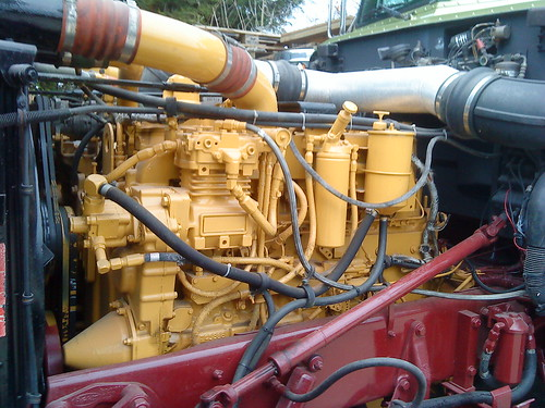 peterbilt engine