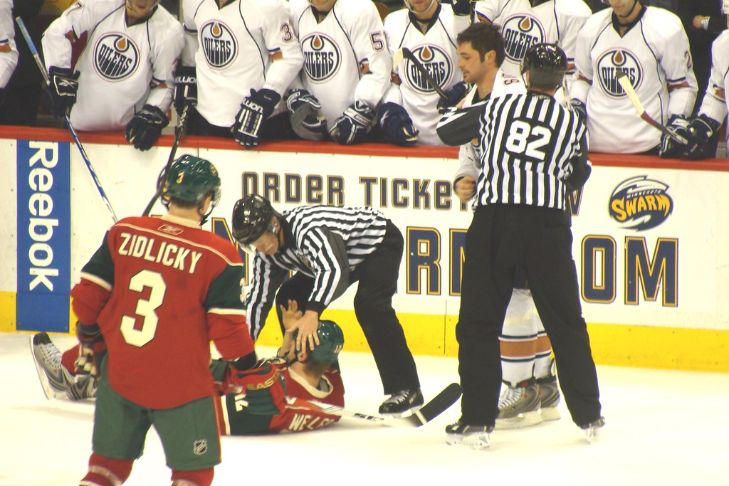 Hockey Fight, Wild vs. Oilers