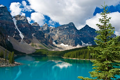 Moraine Lake, Banff National Park (pa_cosgrove) Tags: mountain lake mountains water reflections landscape aqua cyan banff morainelake canadianrockies canoneosd60 sigma20mm theunforgettablepictures goldstaraward flickvault