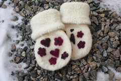 "Mittens for ""i"""