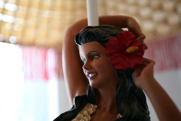 hula girl lamp