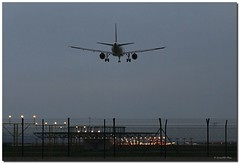 Toma de tierra (SantiMB.Photos) Tags: barcelona espaa airport spain catalunya aeropuerto aircrafts aviones prat baixllobregat pratdellobregat mywinners multiplylayers sortidazz multiplicarcapas