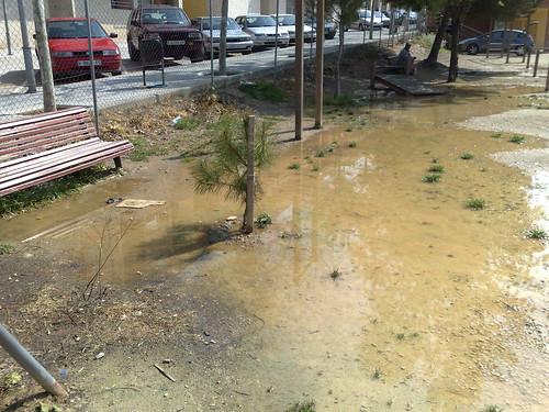 Aigua empantanegada a la zona d'aparells