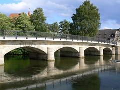 Lauf a.d. Pegnitz - Brcke und Wenzelschlo (AnnAbulf) Tags: fiume franconia ponte franken brcke schloss riflessi castello spiegelung burg babel pegnitz mittelfranken lauf f