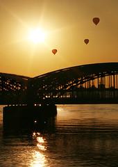 Freihafen-Elbbrücke