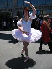 IMG_3608 (ladye_stagsleap) Tags: anime ballerina cosplay pointe rue 2009 fakir fanime princesstutu kraehe fakia fanime2009 tutucosplay princesstutucosplay ballerinacosplay balletahiru
