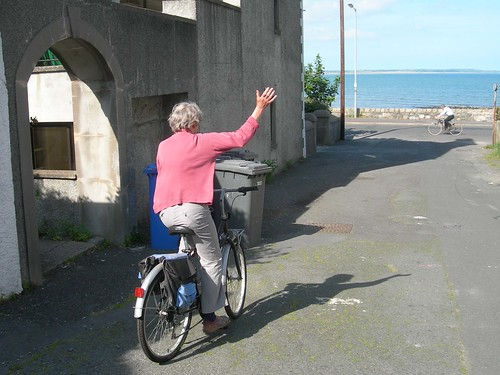 mum_on_bike