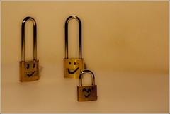 Candados familiares / family padlocks (Sermoco86) Tags: family sergio familia canon padlock moral gymkana candado canonistas sermoco86