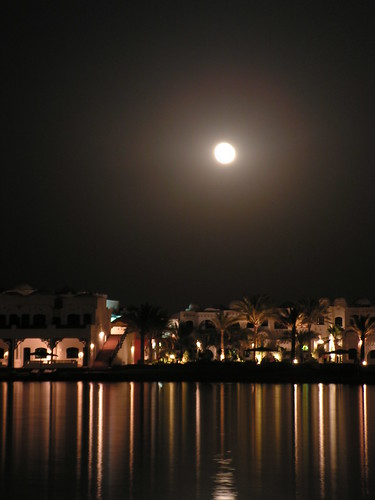 Nightview Araballa Hurghada by Vincent Teeuwen.