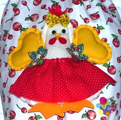 Detalhe da galinha do puxa saco (Oficina da Cor) Tags: galinha artesanato porta feltro tecido sacola sacolinha puxasaco