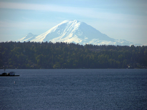 Mount Rainier past Lake Washington