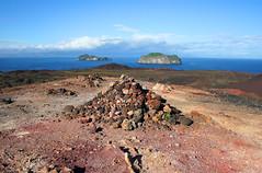 Colorful pile of rocks (thorrisig) Tags: ocean light red sea sky mountain nature landscape island volcano lava iceland rocks view vestmannaeyjar ísland náttúra westmanislands hraun rautt þorri eldfjall thorri himinn dorres landslag fjall rauður útsýni eyja grjót elliðaey sjórinn bjarnarey ellidaey sigurgeirsson þorfinnur heymaey víðátta thorfinnur thorrisig þorrisig thorfinnursigurgeirsson eldfjöll