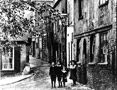 Elm Hill, Norwich, c1900 (mira66) Tags: children norfolk 1900 norwich elmhill guesswherenorwich guessedbylhabitant