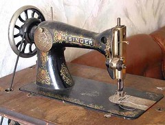 sewing_machine_singer.jpg