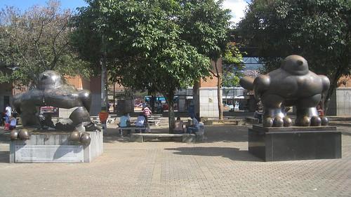 Pajaro de Paz sculptures