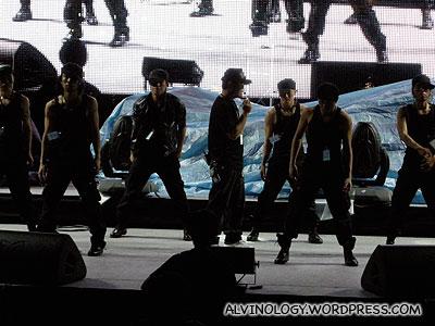 Show Luos (罗志祥) dancers