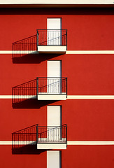 - - - (jabR) Tags: jaborphoto piros erkly red balcon minimal absztrakt abstract canon eos 350d kit