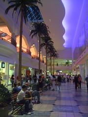 Plaza Las Americas, San Juan ((^_~) [MARK'N MARKUS] (~_^)) Tags: mall puertorico shoppingcentre sanjuan shoppingmall shoppingcenter hatorey 400v plazalasamericas plazalasaméricas fv1 fv1c