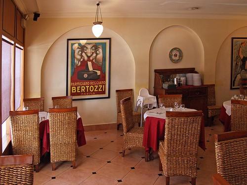 Interior of Al Forno Trattoria II