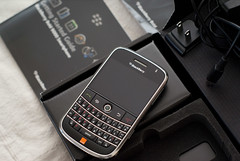 ebay blackberry smartphone bold 9000 (Photo: blueskyman123 on Flickr)