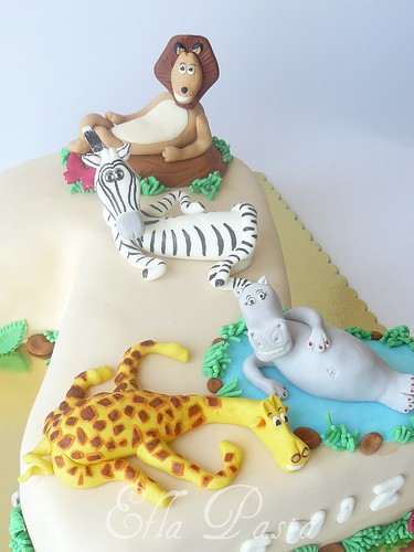 Madagascar cake 4