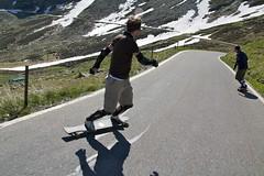 Hinterherfahren (Joachim S.) Tags: italien mountains bike montagne spring longboard printemps frhling gebirge fruehling splugen fruhling splugen