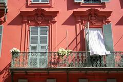 Balcony (just.Luc) Tags: flowers windows france fleurs nice frankreich balcony balkon frana ctedazur ramen shutters frankrijk balcon francia bloemen mediterraneansea fentres frenchriviera mittelmeer costaazul luiken mermditerrane middellandsezee azurenkust