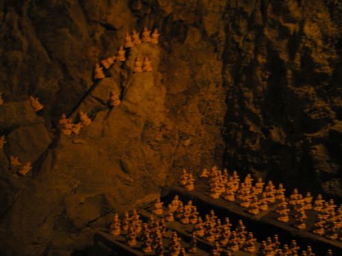 Figuricas en la cueva