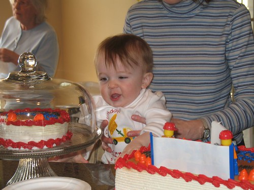 checking out the cakes