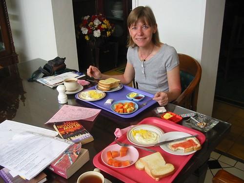 Genieten van het ontbijt in Hotel Metro