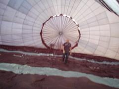 P4050270 (mariobiemans) Tags: ballon april 2009 varen