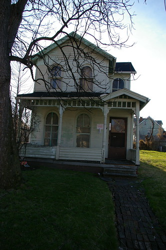 2200 East 69th Street, Cleveland - Condemned