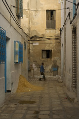 sandworker (lazerfarmer) Tags: northafrica tunisia sousse oldcity