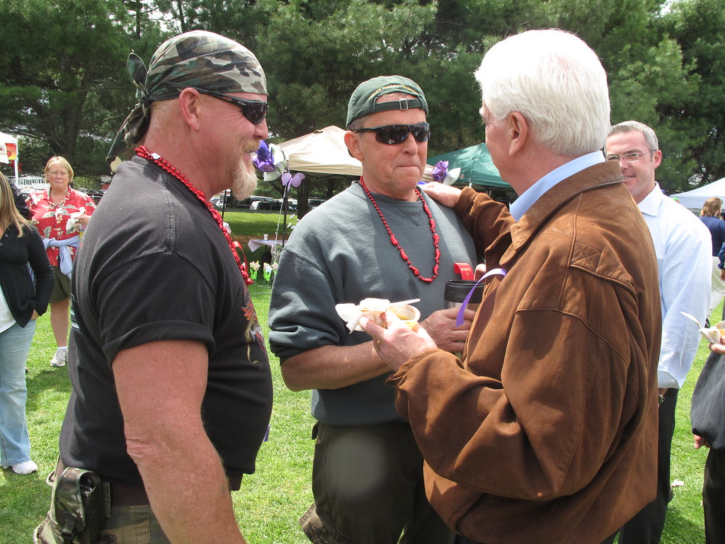 Dodd Attends New England Regional Chili Cook-Off