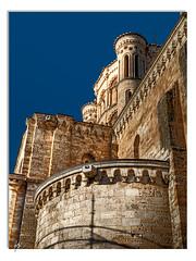 Stone's blues (Paco CT) Tags: blue sky church azul stone architecture geotagged spain arquitectura iglesia explore cielo 2009 esp toro centrohistorico piedra colegiata castillaleon pacoct geo:lat=4152138280 geo:lon=539360046
