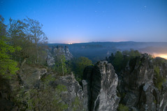 Moonlit Saxon Switzerland (Xindaan) Tags: longexposure vacation fab sky moon mountain holiday mountains tree nature night forest germany easter stars landscape geotagged deutschland schweiz mond dresden nationalpark spring nikon sandstone rocks europe nacht saxony natur himmel fullmoon tokina berge sachsen landschaft sandstein 2009 baum elbe bastei manfrotto frhling sterne felsen vollmond langzeitbelichtung schsische rathen kurort d300 elbsandsteingebirge naturesfinest saxonswitzerland 1116 singintheblues supershot 460mg mywinners abigfave platinumphoto 055mf4 amselgrund thatsclassy 1116mm picturefantastic tokina1116mmf28 atx116prodx 100commentgroup vosplusbellesphotos saariysqualitypictures 281116