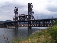 The Steel Bridge (rufus.ovcwa) Tags: bridge oregon train river portland publictransportation steelbridge lightrail portlandoregon span willamette liftbridge throughtruss