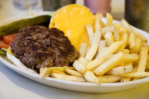 cheeseburger (american cheese)