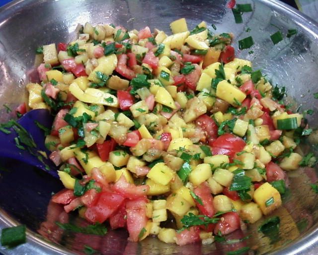 Grlld pineapple mango salsa