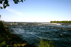 IMG_0368 (petitepomme) Tags: montreal stlawrenceriver
