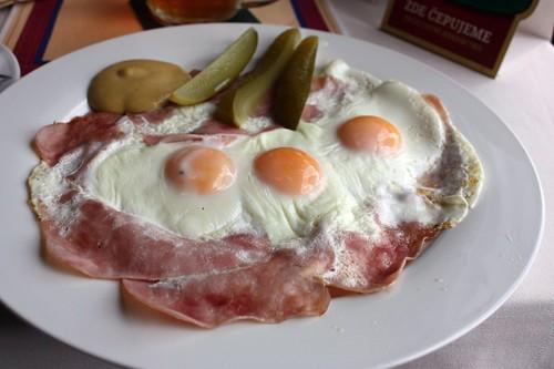 Pecena prazska sunka s vejci