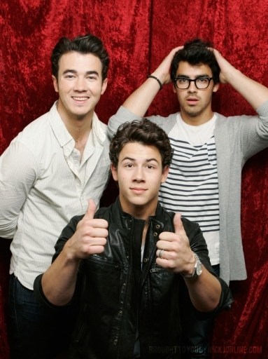 jonas brothers much music